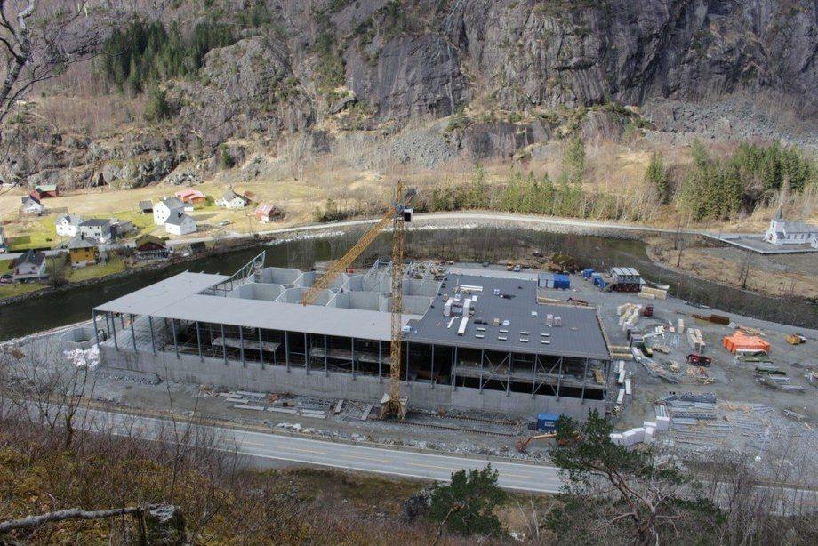 Construction of the smolt facility at Fjæra is well under way. Photo: Marine Harvest / Bjarte Sævereid.