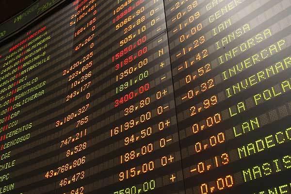 Imagen referencial de la Bolsa de Comercio de Santiago. Foto: Archivo Salmonexpert.