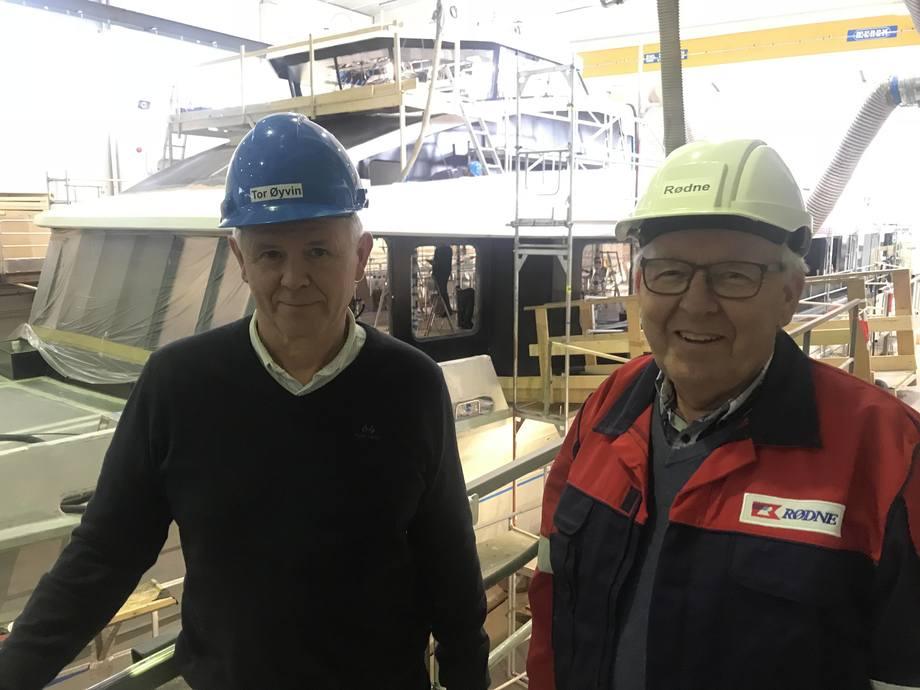 Tor Øivin Aa (t.v.) og Anders Rødne foran Rygerdronningen. Arkivfoto: Sigbjørn Larsen