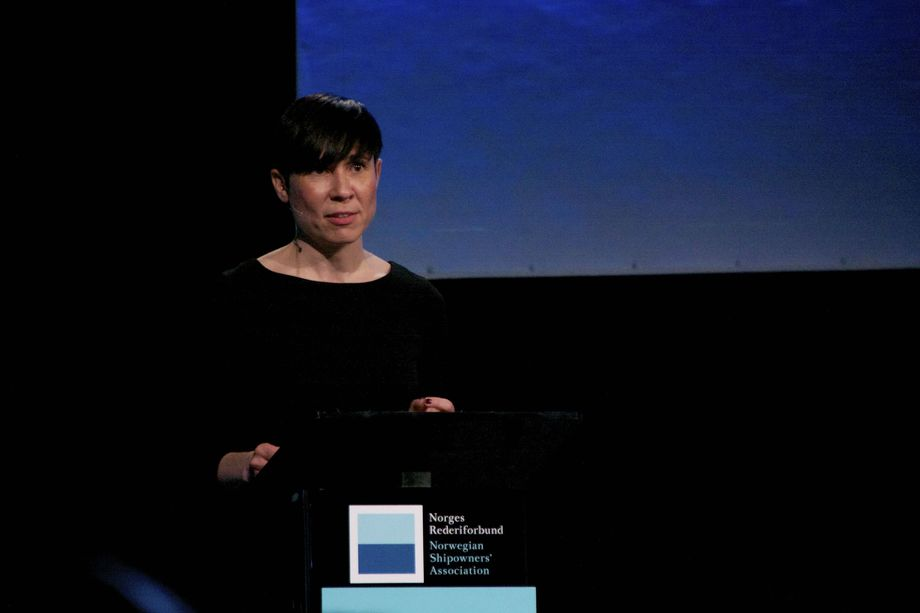 Utenriksminister Ine Eriksen Søreide på talerstolen under Global Outlook 2018. Foto: Andrea Bærland