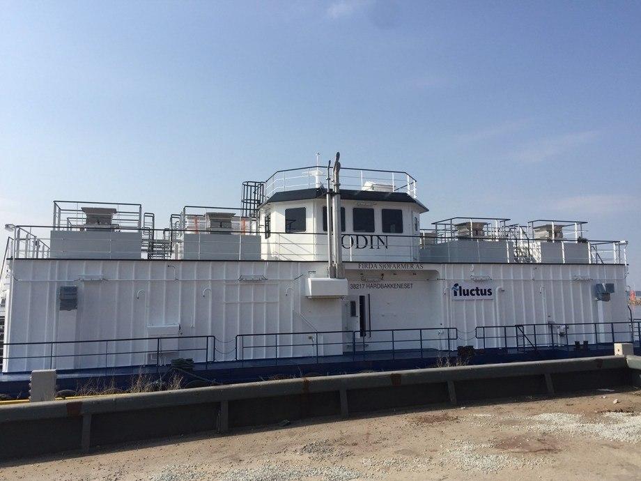 Den nye stålflåten til Firda Seafood har fôringssystem med åtte fôringslinjer. Den har også tre generatorer ombord. Foto: Fluctus.