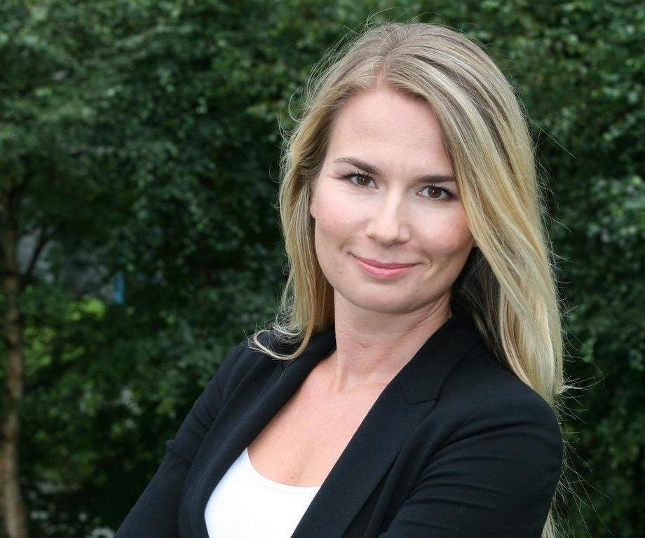 Kommunikasjonsjef Hanne Dankertsen fra Cargill synes det er leit at flere mister jobben. Foto: Cargill.