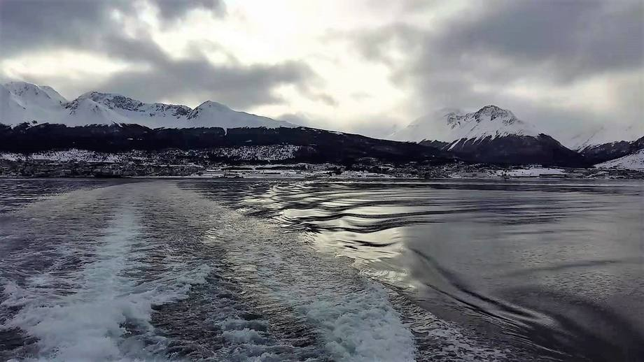 Canal Beagle, Ushuaia, Argentina. Foto: Youtube.
