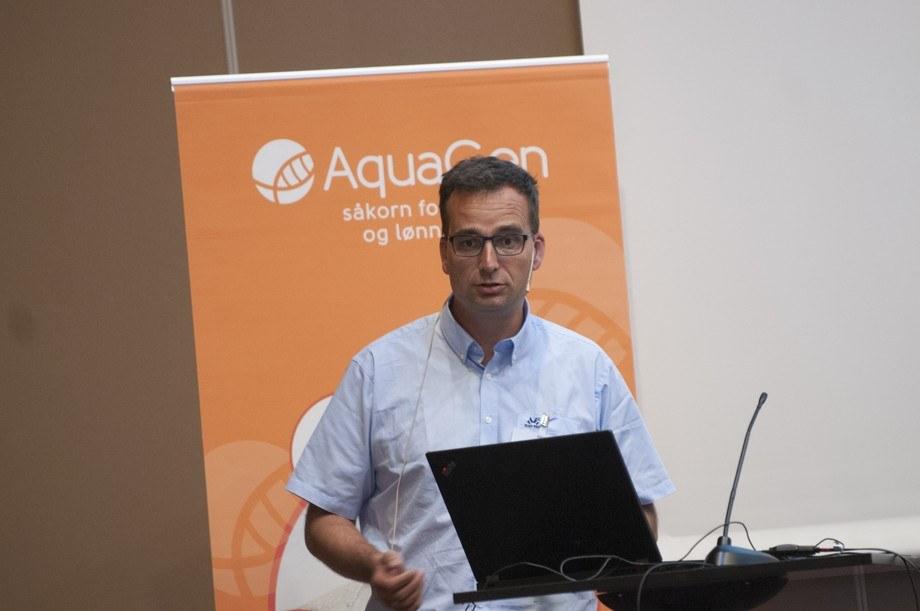 Jørgen Ødegård fra Aquagen, mener potensialet for å gjøre laksen tilnærmet lusefri ligger og venter i genene.