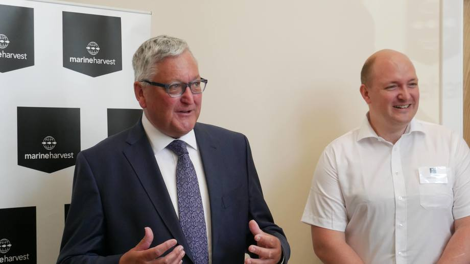 Rural Economy Secretary Fergus Ewing formally opens the Inchmore hatchery as freshwater manager John Richmond looks on. Photo: FFE