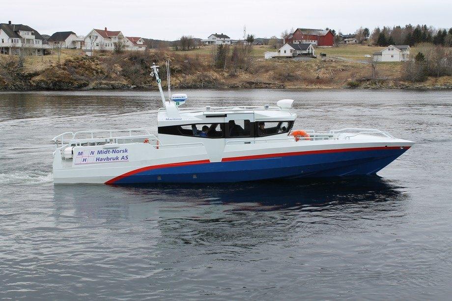 Fartøyet som gjør om lag 40 knop, er innredet med åtte spesialstoler med demping utviklet av Folla Maritime og Innovation, og er beregnet for persontrafikk under tøffe forhold og høy fart. Foto: Folla Maritime