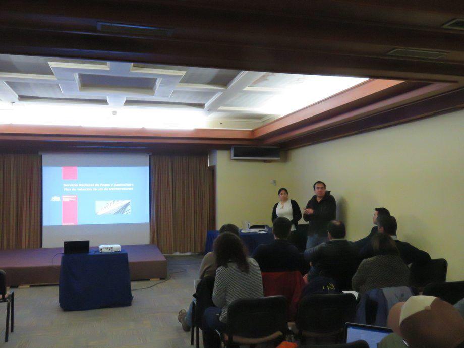 Exposición Dr. Claudio Miranda. Foto: Francisco Soto, Salmonexpert.
