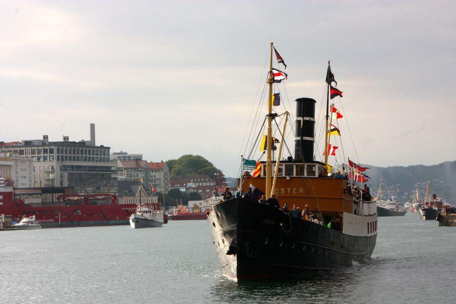 «Oster» på vei inn til Bergen havn i forbindelse med Fjordsteam 2018 Foto: Andrea Bærland