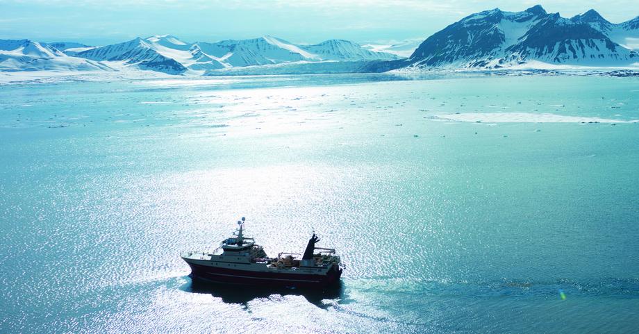 «Arctic Swan» på fiske Foto: Optimar