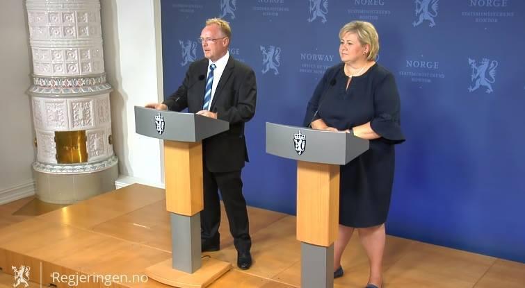 Statsminister Erna Solberg (H) og Per Sandberg (FrP). Skjermdump foto: Regjeringen.no.