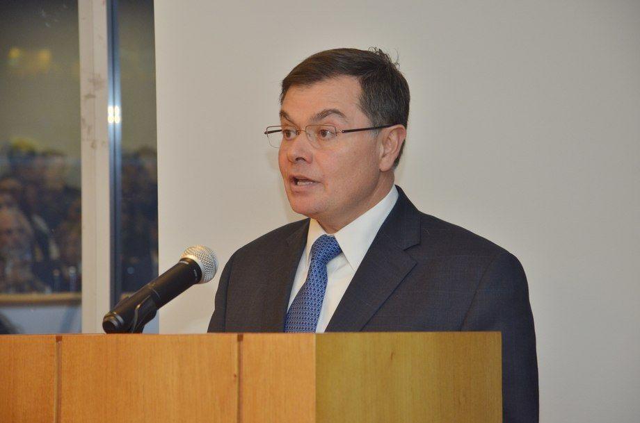 El expresidente del TDLC, Tomás Menchaca, representa a Armasur en la causa que Solvtrans Chile inició en su contra.