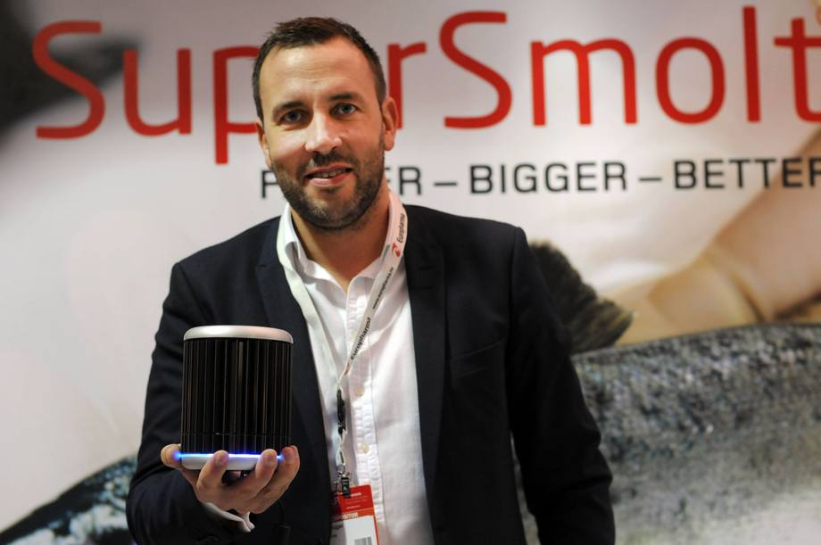 Paal Christian Krüger i Europharma sier de er fornøyd med å ha fått innvilget SuperSmolt FeedOnly-patentet. Foto: Pål Mugaas Jensen/Kyst.no.