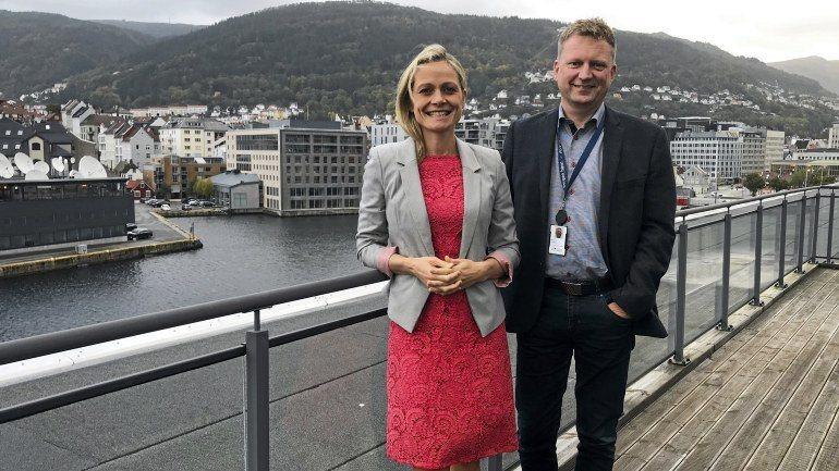 - BKK og Bergen Havn etablerer felles selskap og skal bygge Europas største landstrømanlegg til cruise, sier konserndirektør Innovasjon og Utvikling i BKK Ingrid von Streng Velken og havnedirektør Johnny Breivik.
