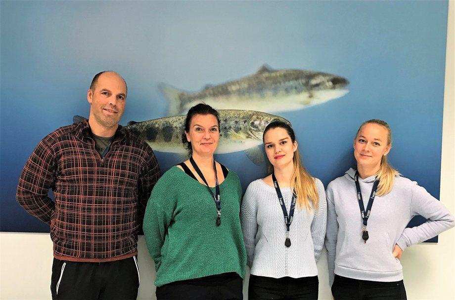 PatoGen Nord har fire ansatte. F.v. Jim Ness, Vigdis Edvardsen og Siv Høgberg Iversen på lab og kunderådgiver Fredrikke Nyberg.