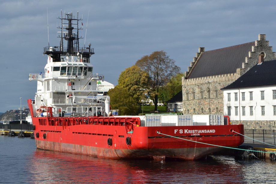 Clean Treat systemet er modulbasert. Containere som inneholder rensesystemet er plassert på dekk på F S Kristiansand, her ved Bergen havn.  Foto: Anette Elde Thomsen /Kyst.no.