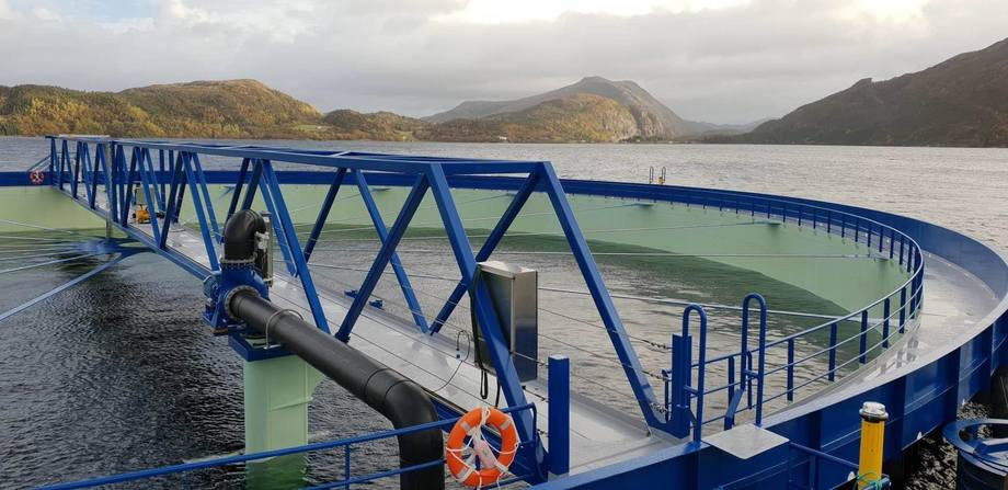 The first Aquatraz is on site in Norway and is expected to be stocked next week. Photo: Midt-Norsk Havbruk / Steinar Johansen.
