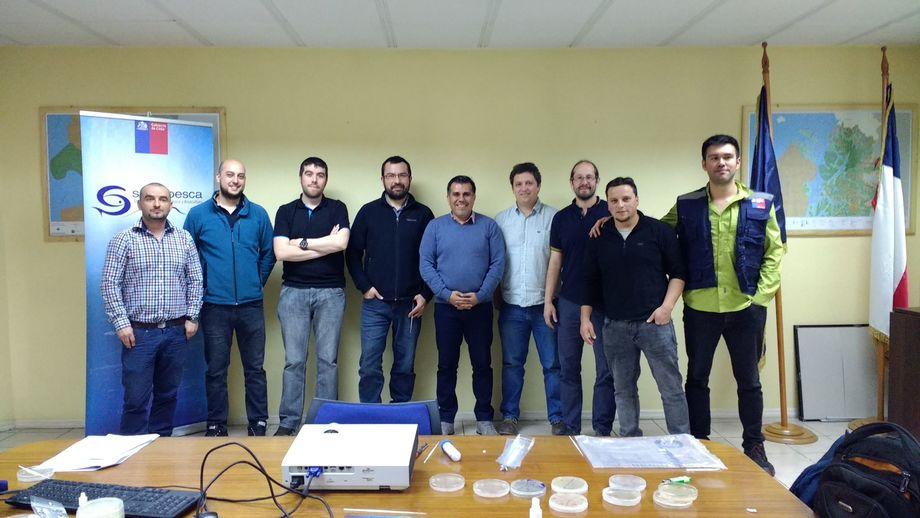 La capacitación se realizó con nueve funcionarios de la dirección regional del Sernapesca Aysén. Imagen: Dr. Ruben Avendaño-Herrera.