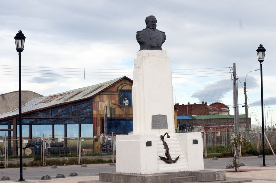 Punta Arenas at the southern tip of Chile. The statue is of Bristol-born John Williams Wilson, whose named was Hispanicised to Juan Guillermos. He served in the Chilean navy and annexed the area for Chile in 1843. Photo: Pål Mugaas Jensen