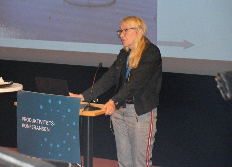 Brit Hjeltnes, fagdirektør i fiskehelse fra Veterinærinstituttet mener lakselusen fremdeles er den største utfordringen for fiskehelsen. Foto: Ole Andreas Drønen
