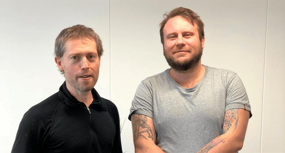 Fiskehelsebiologene Øyvind Vågnes og Kristian Ulven. Foto: Privat.