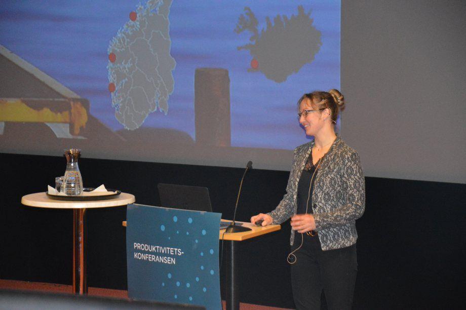 Lene Høgseth, fiskehelsesjef iFishguard sier bruken av ikke-medikamentelle avlusningsmetoder har ledet til et økt håndteringssvinn. Foto: Ole Andreas Drønen