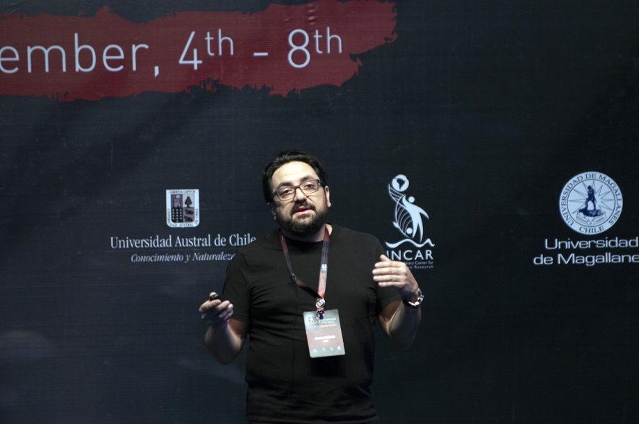 Christian Gallardo-Escarate  er forsker ved forskningssenteret for akvakultur INCAR, ved Universitetet i Concepción. Foto: Pål Mugaas Jensen/Kyst.no.