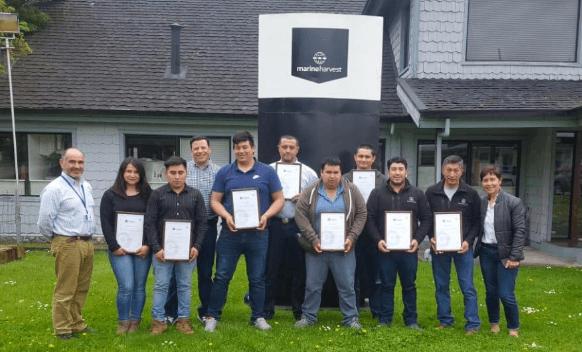 """Alumnos que participaron del diplomado """"Operario Calificado en Agua Dulce"""". Foto: Marine Harvest"""