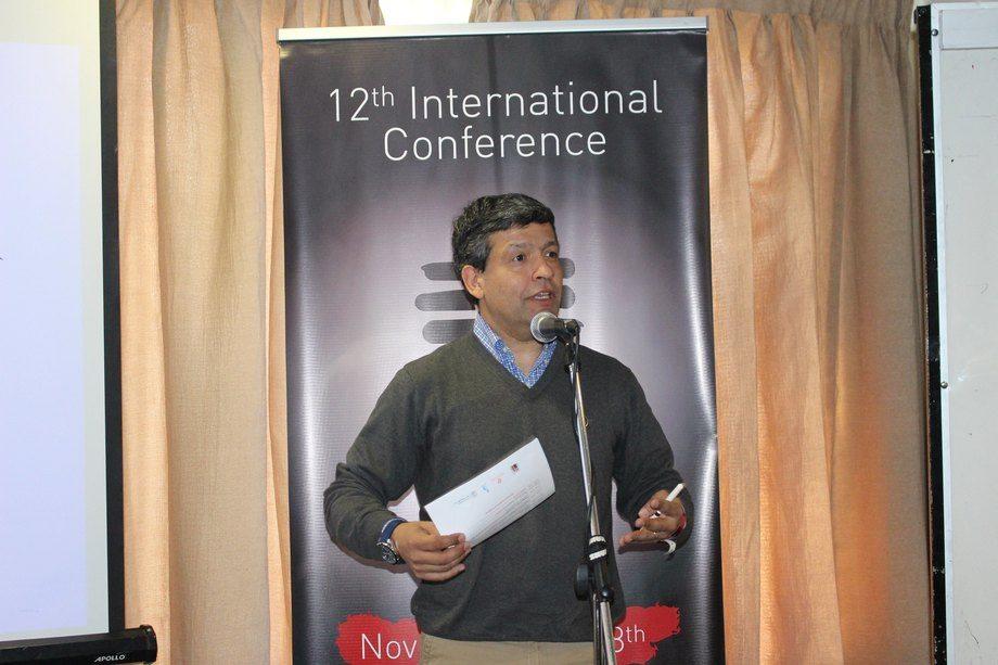 Esteban Ramírez, gerente general de Intesal, dio la bienvenida y se refirió a la importancia conversar de forma abierta y transparente sobre la industria. Foto: Intesal.