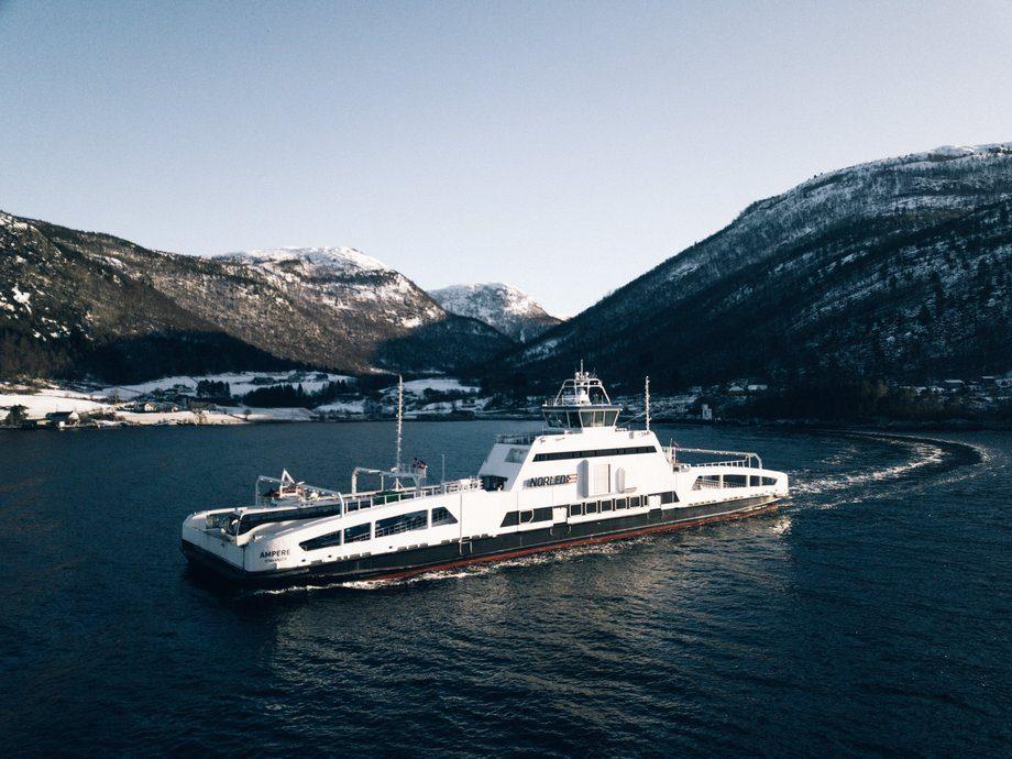 MF «Ampere» har nå seilt tilsvarende seks ganger rundt ekvator