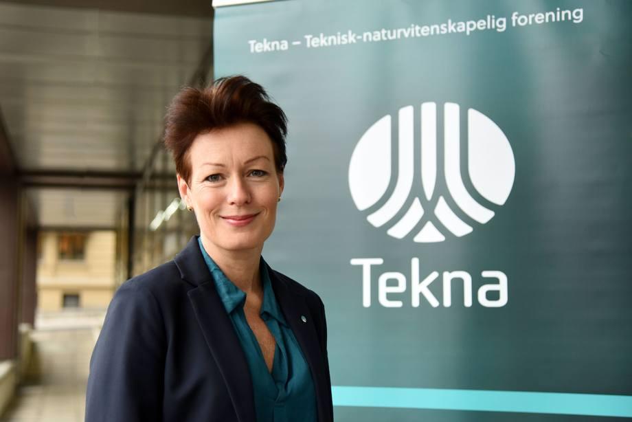 Line Henriette Holten i Tekna mener det er en alvorlig inngripen å forby badebehandling i merd på generelt grunnlag. Foto: Tekna.