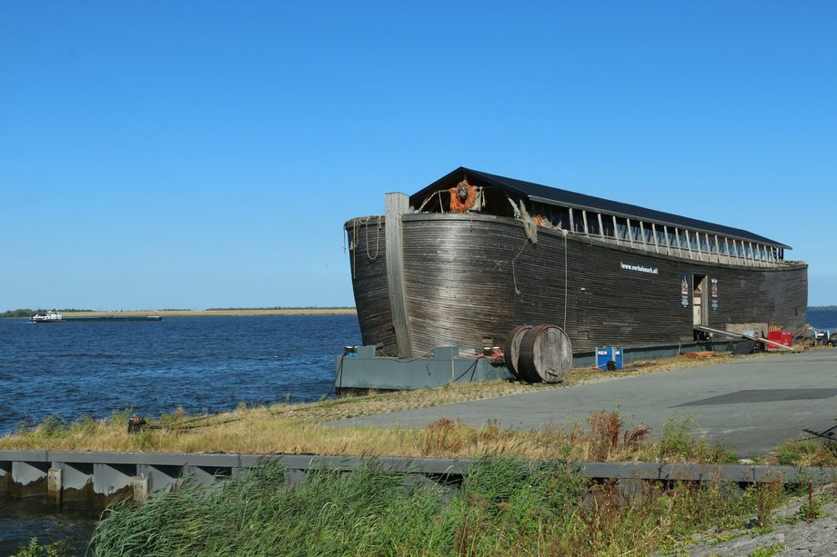Noahs ark forfulgt av ulykker. Foto: Sigbjørn Larsen.