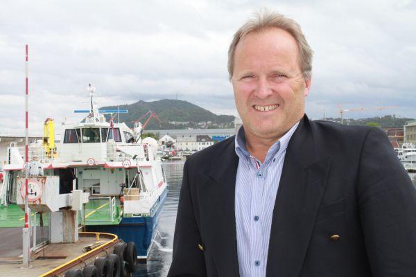 - Fjord 1 og NSB forener kreftene om ett nytt nasjonalt reiseselskap som skal markedsføre norske reiselivsopplevelser internasjonalt, sier administrerende direktør i Fjord 1, Dagfinn Neteland, til Skipsrevyen. Foto:Fjord 1