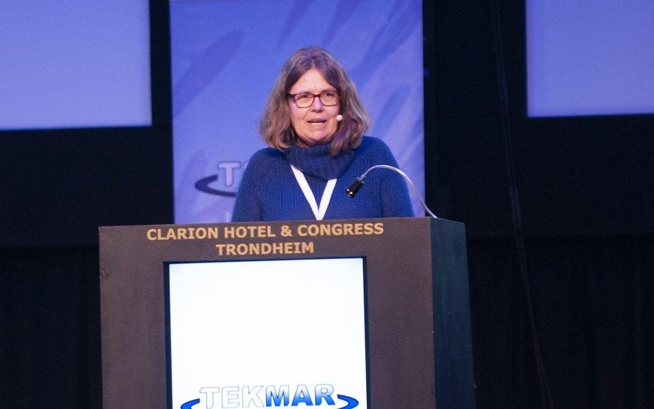 Friede Andersen fra Mattilsynet er langt fra sikker på at alle metoder for avlusninger faktisk er egnet til bruken. Nå har tilsynet bedt om råd. Foto: Pål Mugaas Jensen/Kyst.no