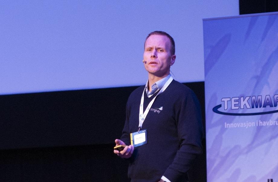 Espen Børrud i Stingrays sa under Tekmar at de som teknologileverandør ønsker og forventer tydelige krav fra tilsynsmyndighetene og oppdrettere i forhold til automatisk lusetelling. Foto: Pål Mugaas Jensen/Kyst.no.
