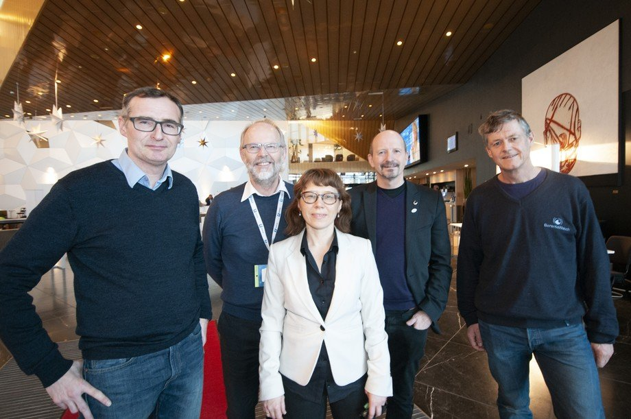 Her er prosjektgruppen som står bak Bærekraftportalen. F.v. Eirik Mikkelsen, Nofima; Ulf Winther, Sintef Ocean; Kine Marie Karlsen (prosjektleder), Nofima; Roy Robertsen, Nofima og Eivind Rinde, Baterntswatch. Foto Pål Mugaas Jensen.