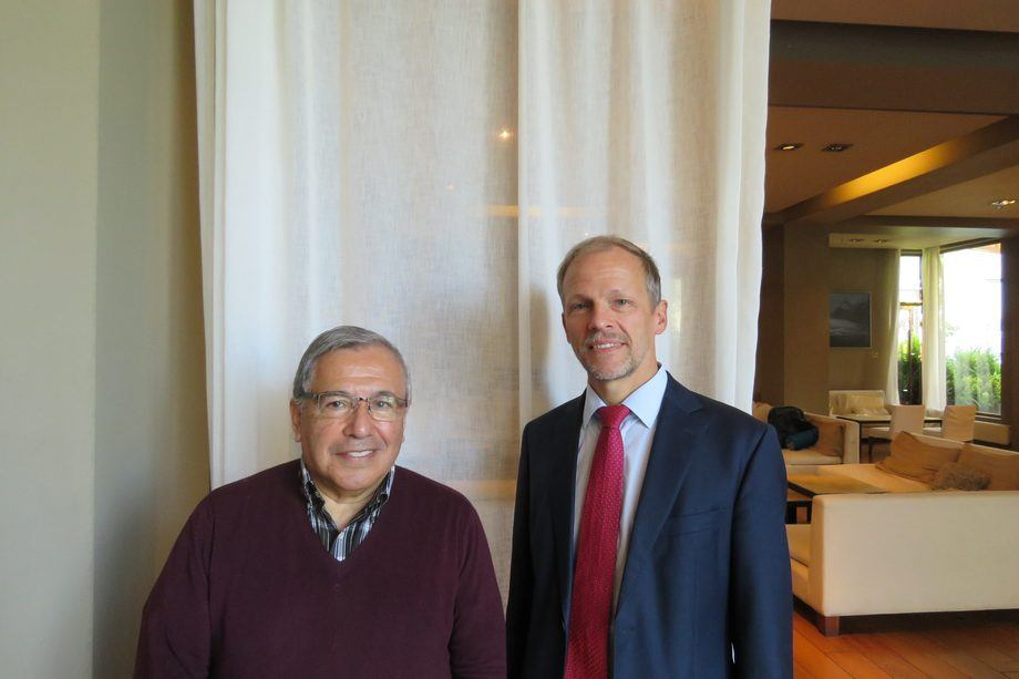 Dres. Sergio Marshall y Jörg Overmann. Foto: Francisco Soto, Salmonexpert.