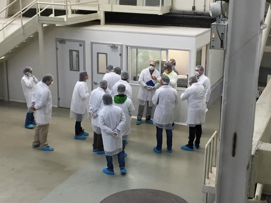 Visita de empresas farmacéuticas a instalaciones de Skretting Chile. Foto: Skretting Chile.