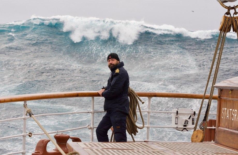 Kaptein Jens Joachim Hiort ombord under rekordseilasen. Foto: Jesper Rosenmai