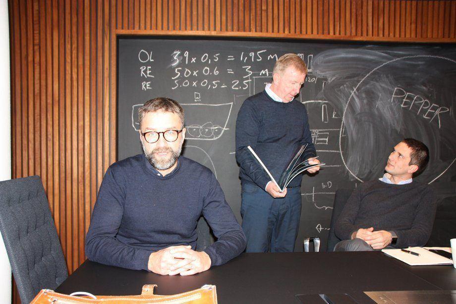 Salt ship Design har 20 skip i ordreboken. Fra venstre Johannes Erdøy, Arne Stenersen og Øyvind Tveit Vestbøstad. Foto: Sigbjørn Larsen/Skipsrevyen.no.