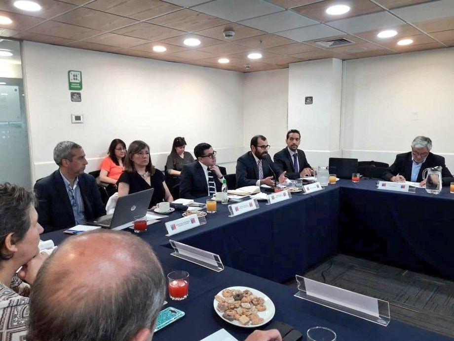 Ayer sesionó la Comisión Nacional de Acuicultura (CNA), encabezada por el subsecretario Eduardo Riquelme. Foto: Subpesca.