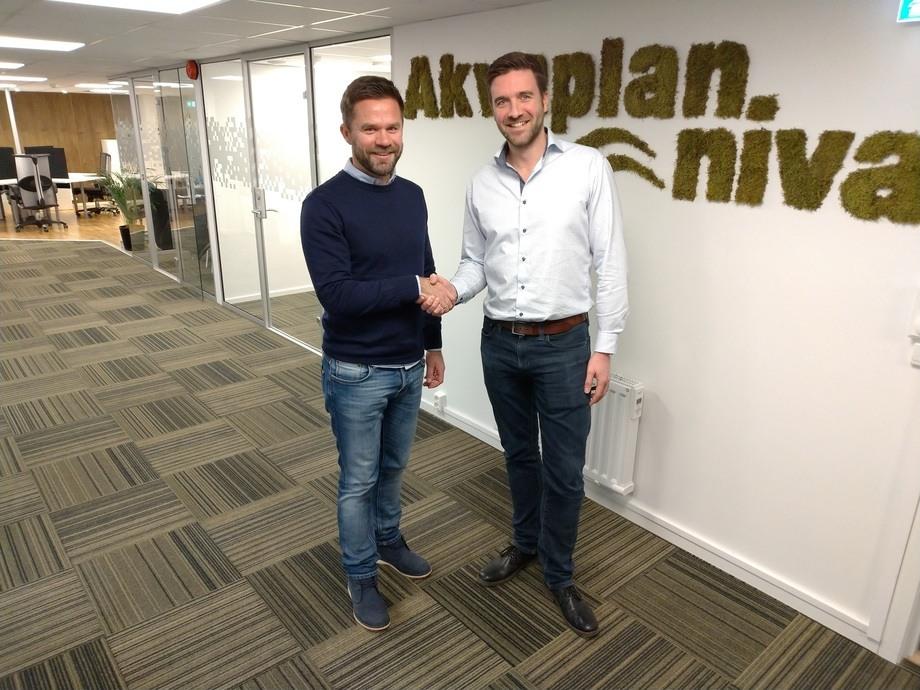 Kontorleder for Akvaplan-niva i Bodø, Tormod Skålsvik (t.v.) og Norconsults gruppeleder og markedskontakt for akvakulturmarkedet, Onno Musch.