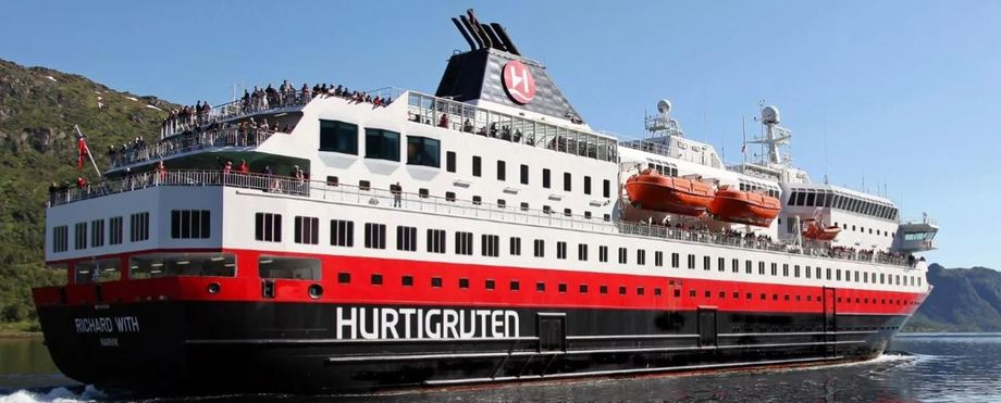 MS «Richard With» er ett av de to Hurtigruten-skipene som skal seile i den midlertidige reserveruten mellom Bodø og Kirkenes. Foto: Hurtigruten.