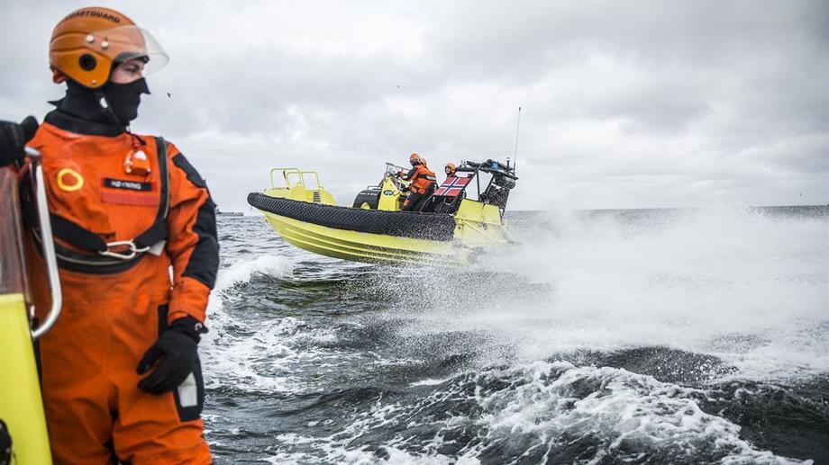 KV Svalbard på tokt og inspeksjon. Foto: Olav Standal Tangen