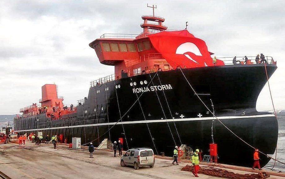 Ronja Storm se remolcará a Noruega para completarse antes de comenzar un contrato de 10 años para Huon en Tasmania. Foto: Cemre / Facebook.