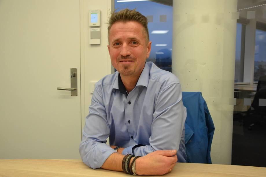 Daglig leder i Norwegian Lobster Farm, Asbjørn Drengstig, sier til Kyst.no at etterspørselen etter hummer er stor, og selskapet har et hårete mål om å en dag produsere tusen tonn hummer. Foto: Ole Andreas Drønen