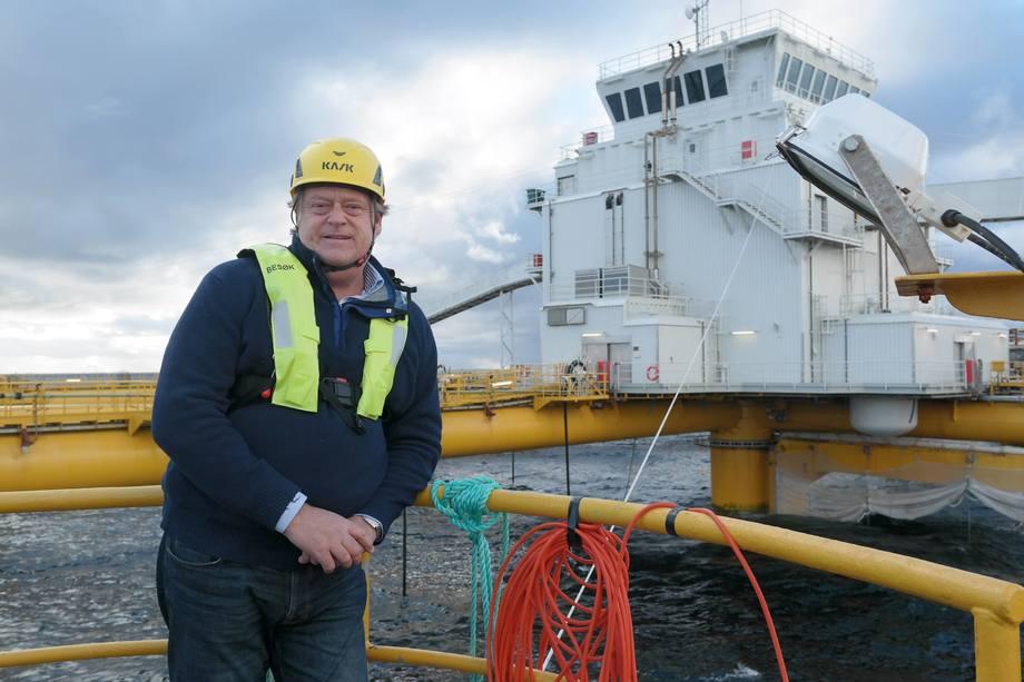 I oktober 2018 besøkte fiskeriminister Harald T. Nesvik den første havmerden, som tilhører Salmar. Foto: NFD