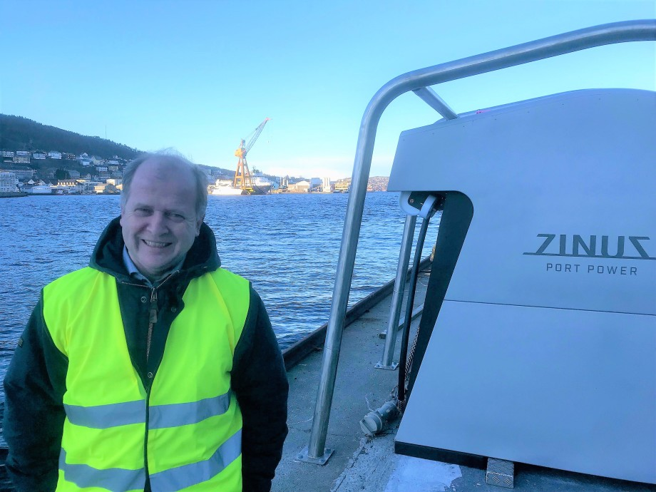 - Vi kan nå tilby landstrøm til alle offshoreskip i Bergen havn, sier Even Husby til Skipsrevyen. Foto: Sigbjørn Larsen.