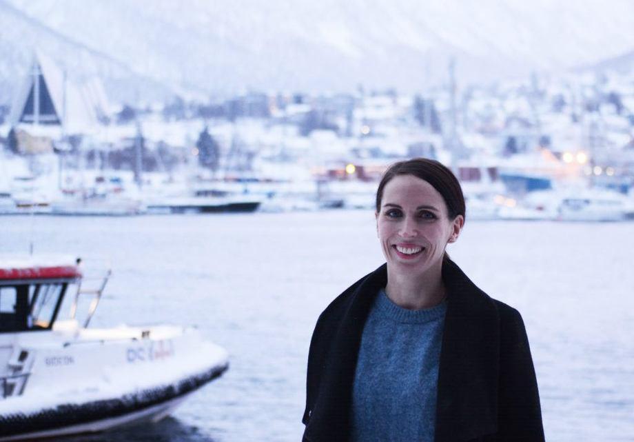 Tallknuser og sjømatanalytiker Ingrid Kristine Pettersen i Norges sjømatråd forteller om sin jobbhverdag, som er preget av mye rapporter og tall. Foto: Sett Sjøbein.