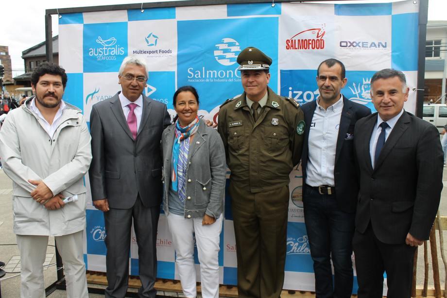 """La Vuelta Ciclista a Chiloé es la competición de ciclismo de ruta """"Más Austral del Mundo"""". Foto: SalmonChile."""