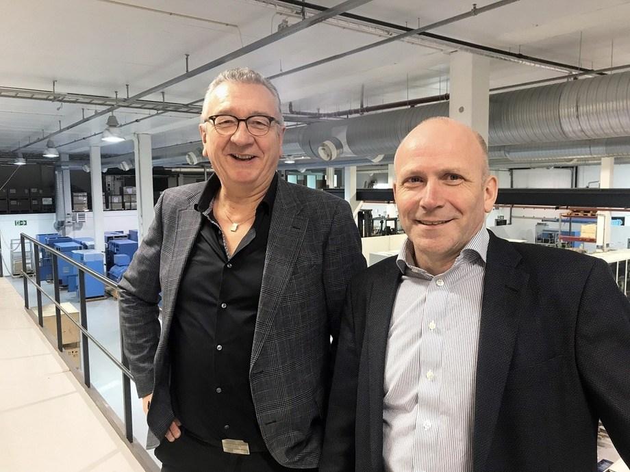 F.v: Tor Leif Mongstad, salgsleder Havyard Group ASA og Odd Gunnar Kleppe, daglig leder Norwegian Electric Systems. Foto: Havyard.